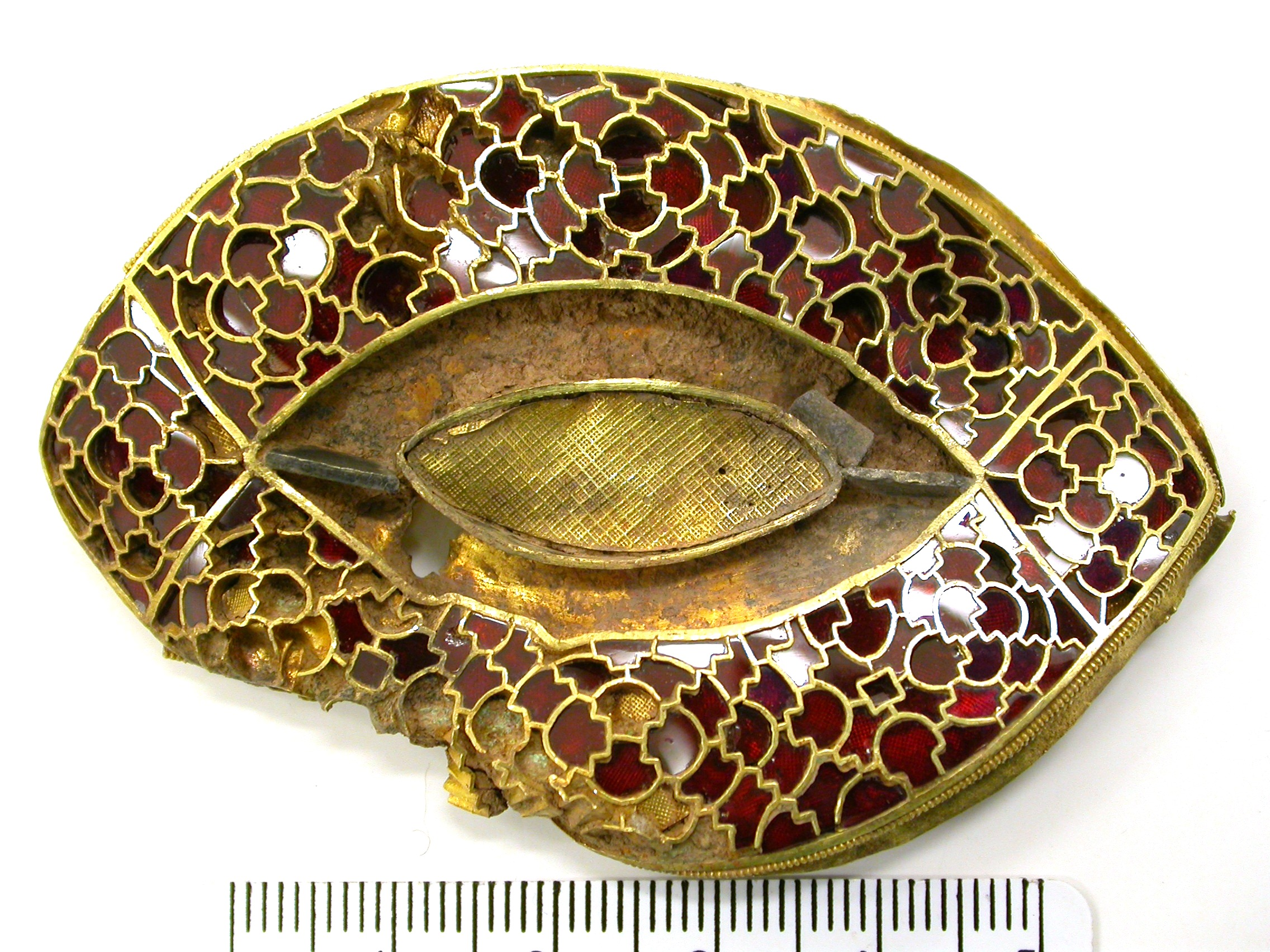The Gold and Garnet Lentoid Plate K270